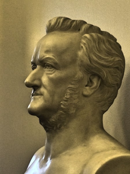 Richard Wagner bust at Semper foyer, Photo Tomas Bagackas