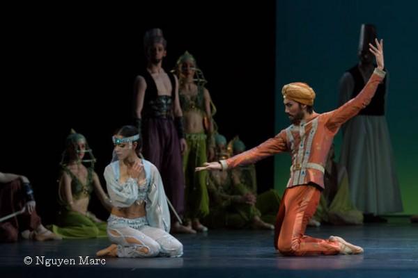 "Maria Guttierez et Takafumi Watanabe dans "" Le Corsaire"" ,  Chor: Kader Belarbi — with Takafumi Watanabe."