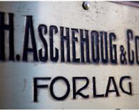 Aschehoug - 140 år med historie