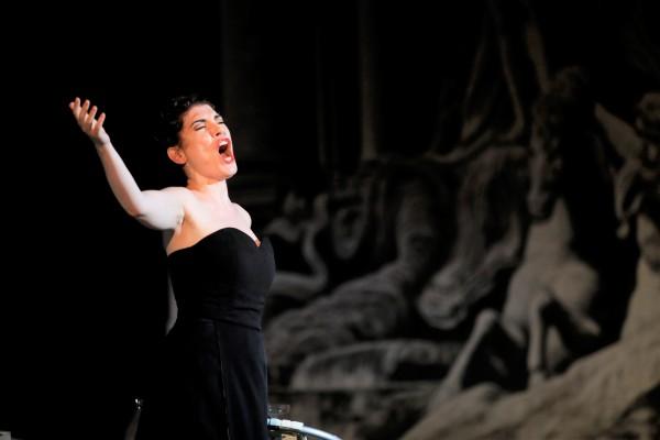 La Traviata, Pavone, 1st act