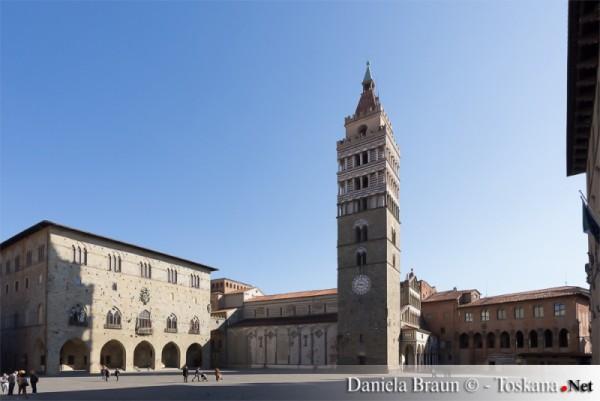Piazza del Duomo,Pistoia,  photo Daniela Braun,
