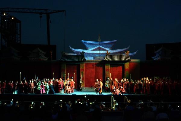 Turandot - Ensemble.