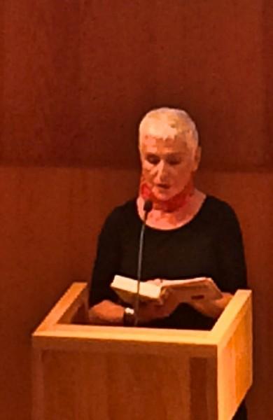 Herbjørg Wasmo leser fra Den som ser på Gyldendals Litteratur presentasjon 2017. Foto Henning Høholt