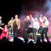Applaus En tjener for to herrer på Oslo Nye Teater. Foto Henning Høholt