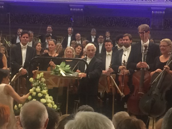 David Garrett, left and Richard Chailly with the Orchestra Symphnia dell Scala, Milano behind.