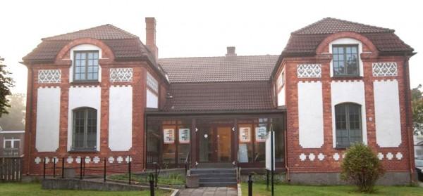 Kulturhuset Gleng, bedehuset som bule. Foto: www.betongbygg.no