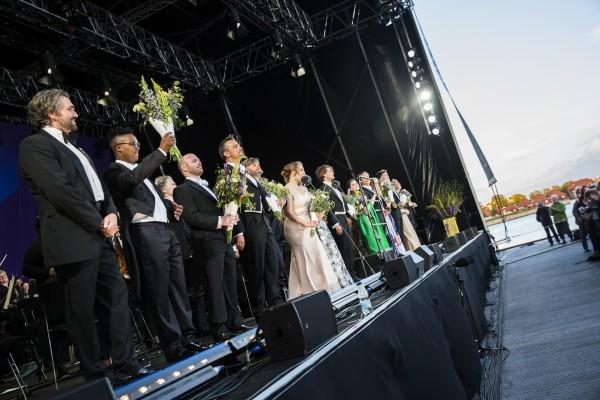 CPH Opera Festival 2017. Applaus etter Paradekoncerten på Ofelia Scenen. Hvor alle medvirkende - korene , solister og orkester kvitterte med å fremføre det berømte koret fra Nabucco.