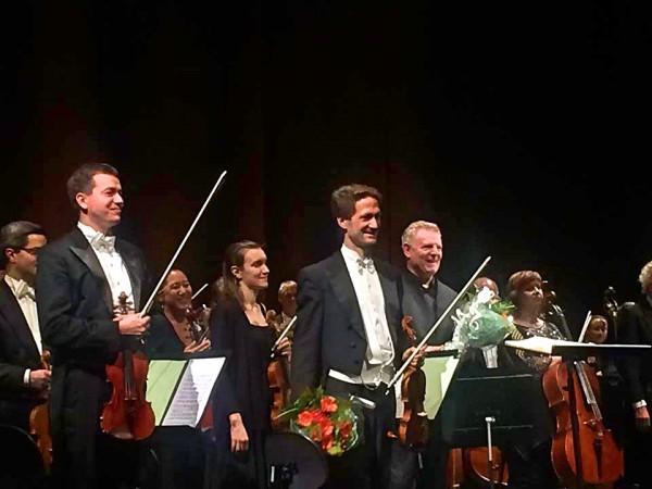 Øyvind Bjorå og Karl-Heinz Steffens mottar applaus og har fått blomster etter Richard Strauss fantastiske Ein Heldenleben med Den Norske Operas Orkester i Oslo, 13.10.2017  . Foto Henning Høholt