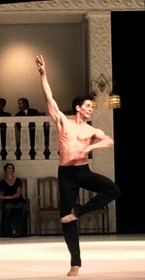Guillaume Cote as Nijinsky in the prologue. Foto Henning Høholt