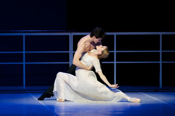 Guillaume Cote as Nijinsky with Heather Ogden as Romula. Foto: