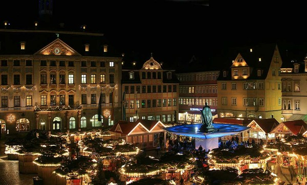 And - of course - as every where in Germany. - Also Coburg has its Christmas market. Photo from Tourismus Coburg.