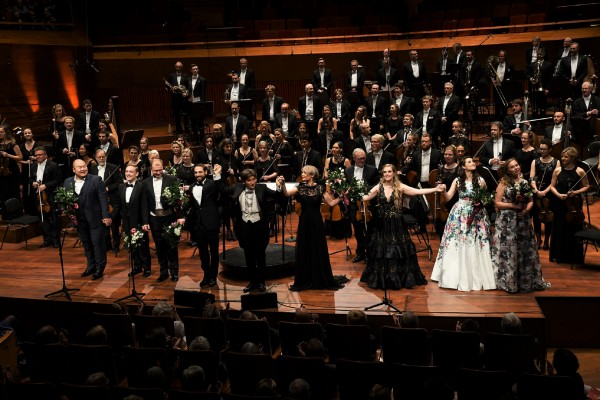 Operagalla i DR Konsertsal i København, i samarbeide med Dronning Sonjas Musikkonrkurranse. Helt til venstre årets vinner, tenor fra Sør Korea,  Foto HASSE FERROLD, Copenhagen 3 11 2017