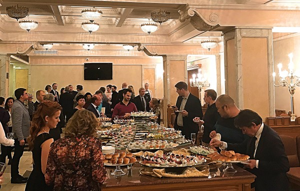 Large buffet in the break at Bolshoi, foto Romuald Sip.