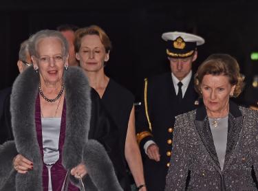 De to dronningene ankeommer DR Konsertsal i København, for kveldens galla konsert. Foto Sven Gj. Gjeruldsen.