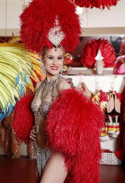 Shauna Staaf klar til å gå på scenen. ©Moulin Rouge ®-Foto:  J.Habas