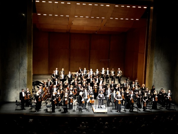 Rotterdam Philharmonic Orchestra and Yannick Nezet-Seguin before Anton Bruckner Romantic Symphony  - no 4. Foto Henning Høholt